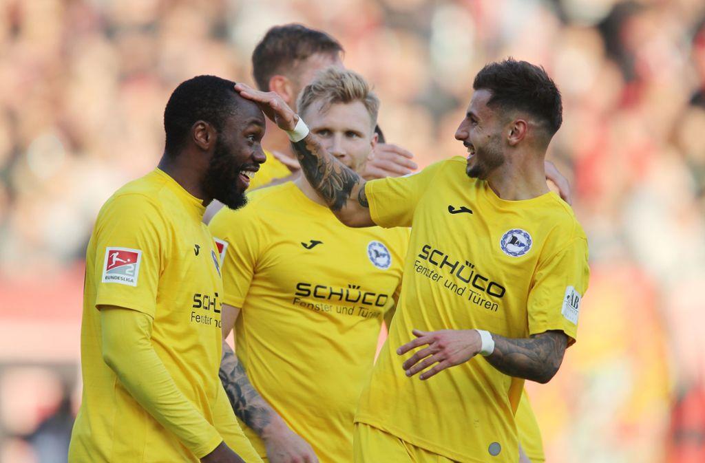 Am 13. Spieltag schießt sich Arminia Bielefeld an die Spitze der zweiten Liga. Foto: dpa/Daniel Karmann