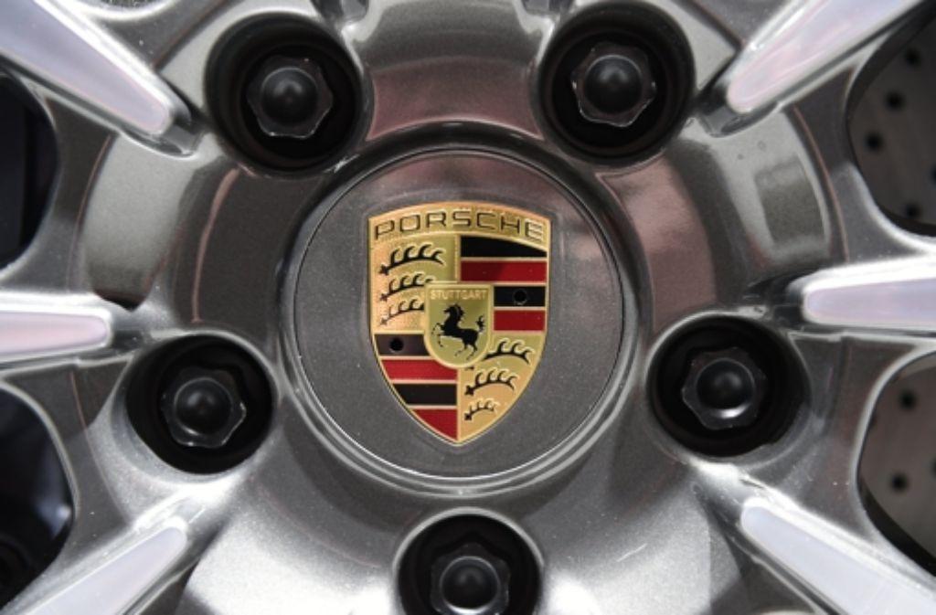 8911 Euro Prämie bekommen die Porsche-Mitarbeiter für 2015. Foto: dpa