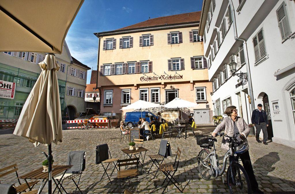 Im Frühjahr  soll ein neues Restaurant in das unter Denkmalschutz stehende Gebäude am Rathausplatz einziehen. Foto: Ines Rudel