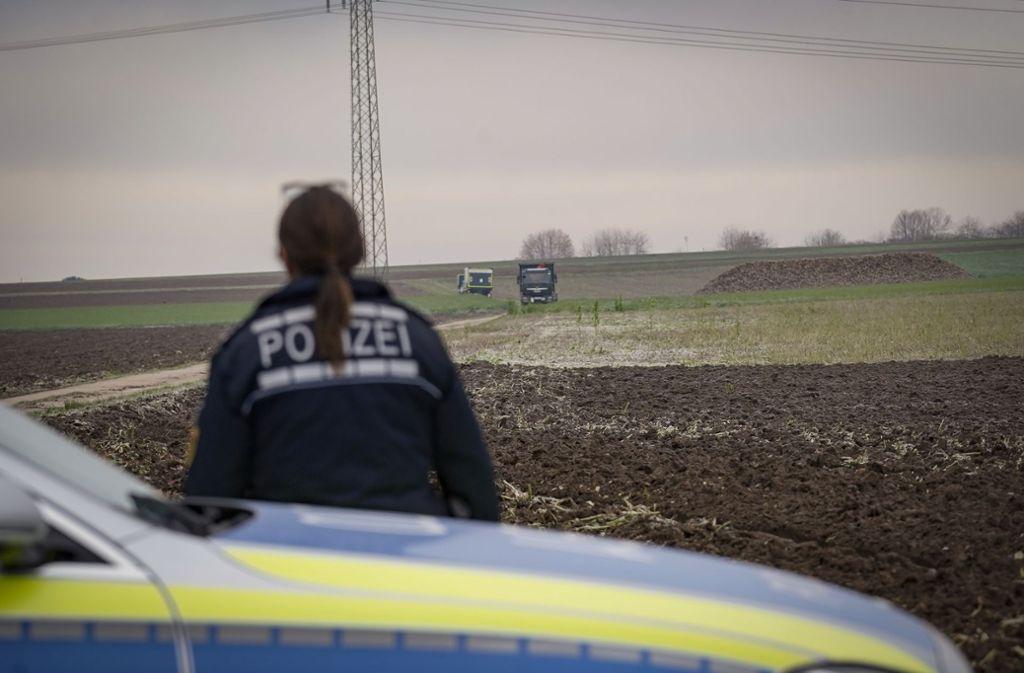 Auf dem Feld nordöstlich von Ditzingen wurde die Bombe ausgegraben.  Foto: factum