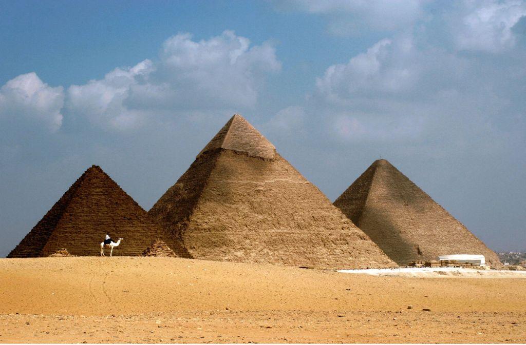 Bis heute ein Rätsel der Baukunst: die großen Pyramiden von Gizeh Foto: dpa/Mike Nelson