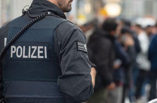 Polizei verhaftet Straftäter wegen illegaler Millionentransfers