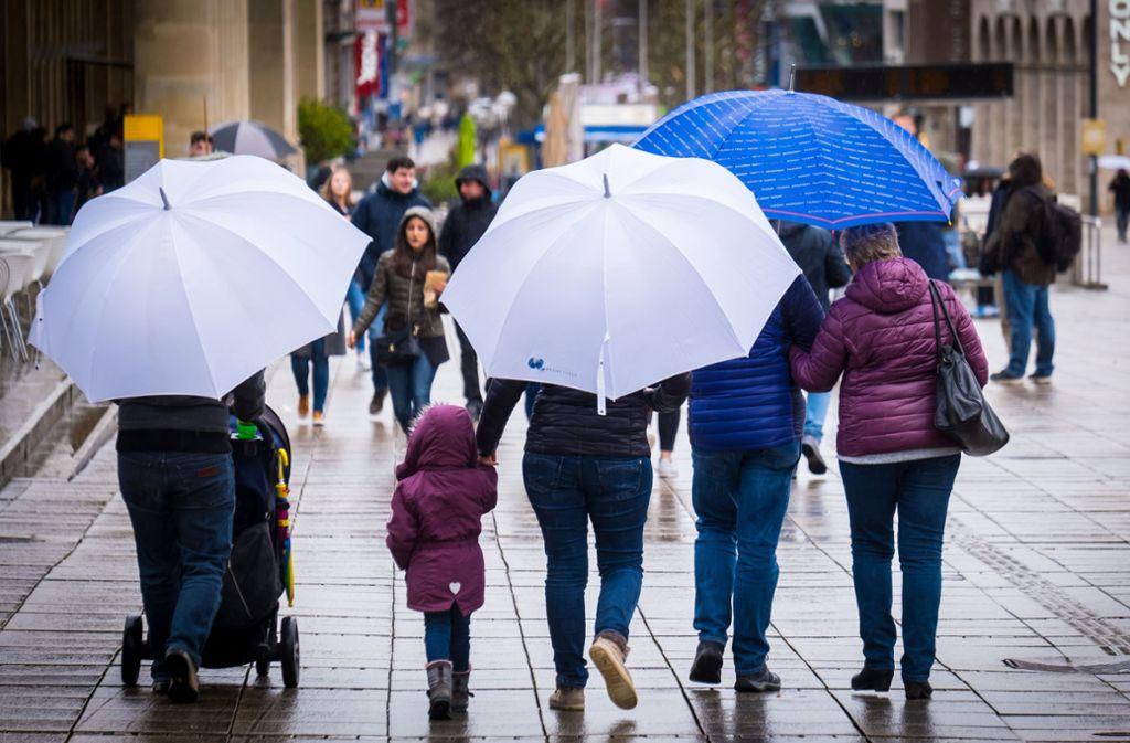 Kühl und ungemütlich zeigt sich das Wetter am Wochenende (Symbolbild). Foto: Lichtgut/Achim Zweygarth