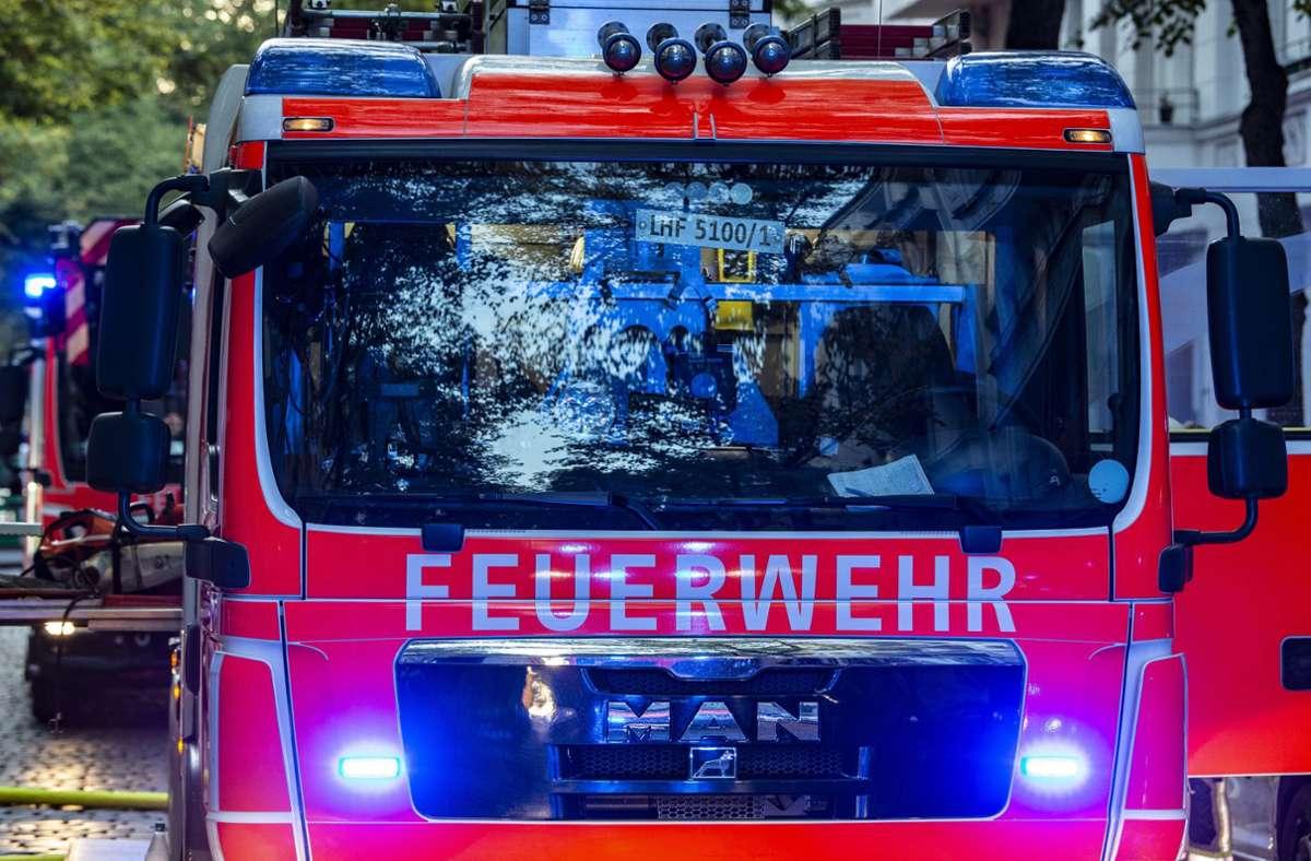 Die Reichenbacher Feuerwehr hatte den Brand schnell im Griff (Symbolfoto). Foto: picture alliance/dpa/Paul Zinken