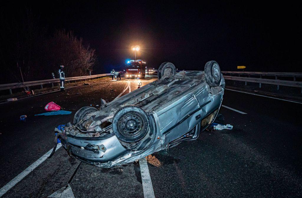 Der Fahrer wurde bei dem Unfall schwer, aber nicht lebensgefährlich verletzt. Foto: 7aktuell.de/Alexander Hald