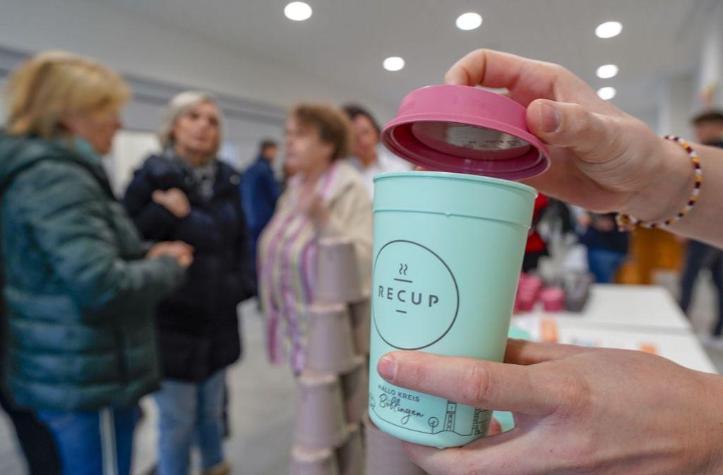 Ab Oktober bringt Recup zusammen mit der Stadt eine Stuttgart-Edition der Becher heraus. Foto: factum / Jürgen Bach