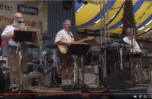 Das Bild stammt aus einem Video, welches das Gamsbart-Trio bei einem Auftritt auf dem Stuttgarter Wasen zeigt. Foto: Screenshot Youtube/Folx MusicTelevision