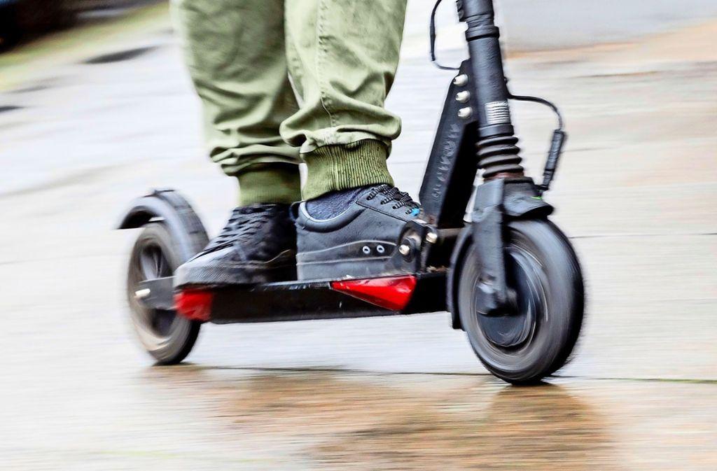 E-Scooter prägen immer mehr das Stadtbild. Bezirksbeiräte in Mitte kritisieren einen Wildwuchs. Foto: