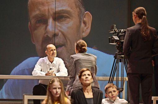 """Premiere: Robert Icke inszeniert """"Orestie"""" im Schauspielhaus"""