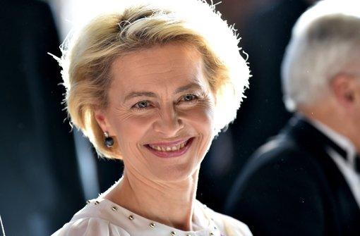 Ursula von der Leyen (CDU) zeigt am 11. August ein verborgenes Talent. Foto: dpa
