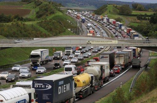 Immer mehr Verkehr, immer mehr CO2? Kreative Lösungen sind nötig. Foto: factum/Bach