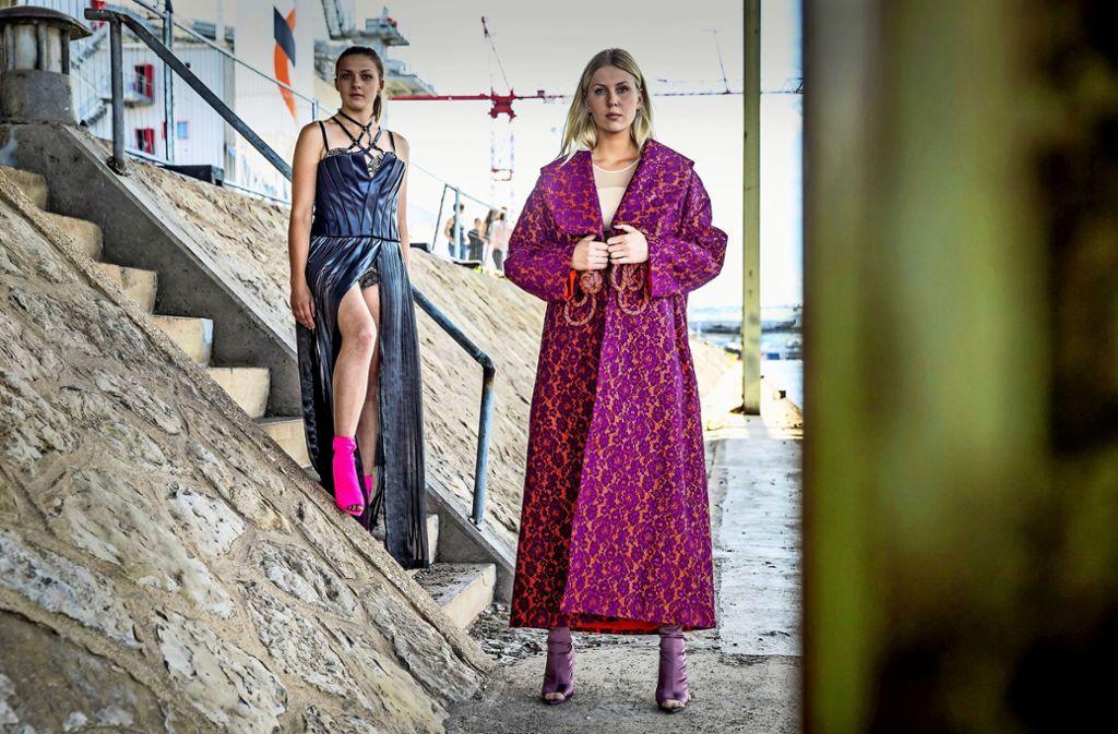 Die Nachwuchs-Designerinnen der Staatlichen  Modeschule Wangen zeigen ihre Modelle am Stuttgarter Hafen. Foto: Lichtgut/Julian Rettig