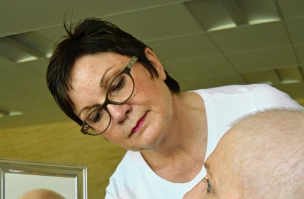 Kosmetikexpertin Maike Winkelmann Foto: B. Grau