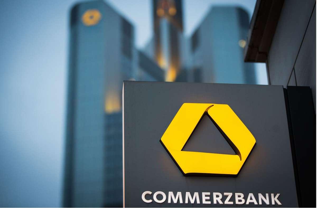 Die Commerzbank ist nach dem angekündigten Doppel-Rücktritt um Beruhigung der Lage bemüht. Foto: dpa/Frank Rumpenhorst