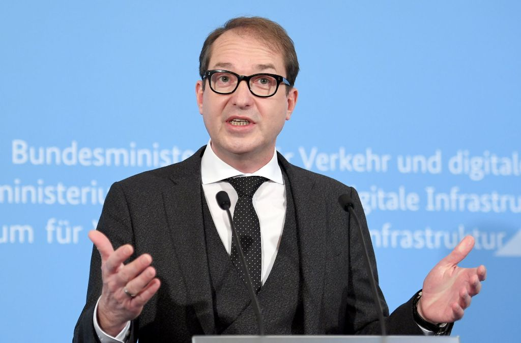 Ein Gutachten wirft Schatten auf die Maut-Pläne von Verkehrsminister Dobrindt. Foto: dpa
