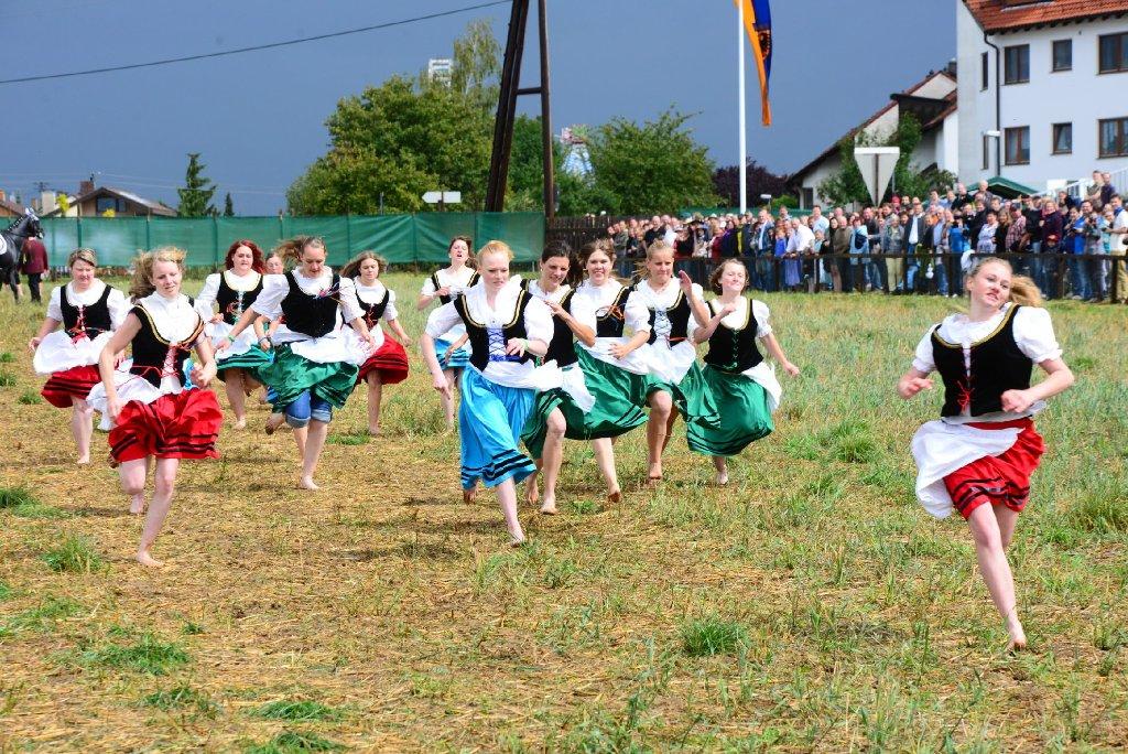 In diesem Jahr war der Schäferlauf eine eher matschige Angelegenheit. In unserer Bilderstrecke zeigen wir Fotos dieses traditionsreichen Festes in Markgröningen - klicken Sie sich durch! Foto: www.7aktuell.de |