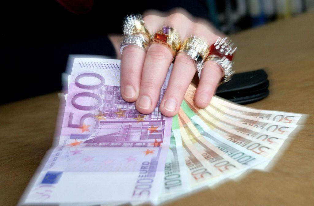 Können sich nur Reiche Pöstchen in der Kommunalpolitik leisten? (Symbolbild) Foto: dpa/dpaweb
