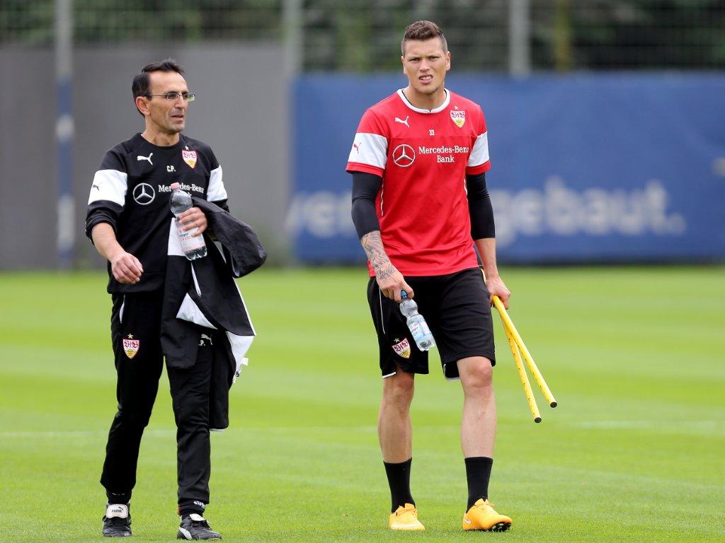 Daniel Ginczek kann zumindest wieder einige individuelle Einheiten beim VfB Stuttgart absolvieren. Foto: Pressefoto Baumann