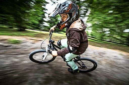 Fahrrad fahren, ohne in die Pedale zu treten