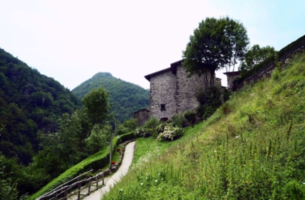 Der Stammsitz derer von Taxis  im italienischen Cornello  beim  Bergamo. Foto:
