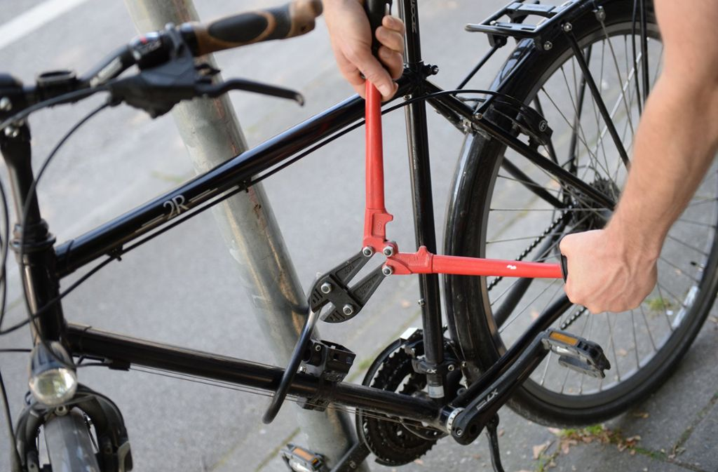 Die Polizei prüft noch, ob die Fahrräder gestohlen worden sind. Foto: dpa (Symbolbild)