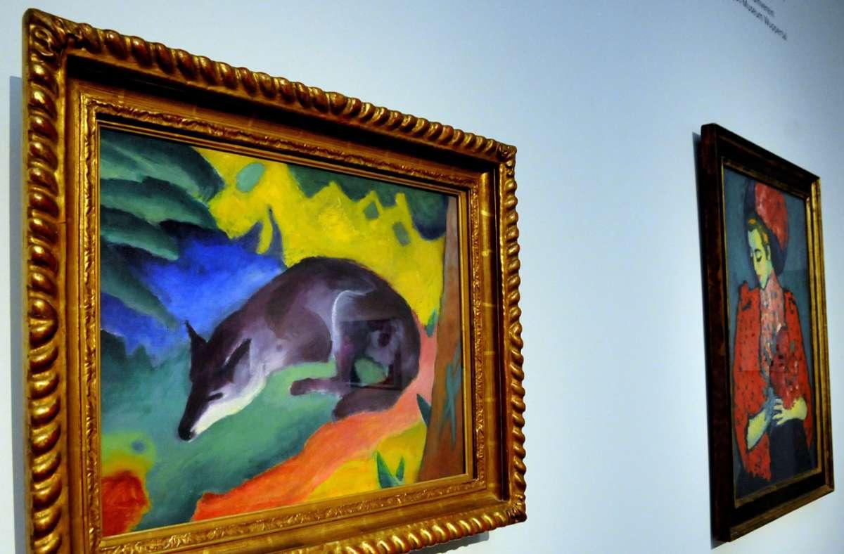 """Füchse spielen im Werk des Künstlers Franz Marc eine wichtige Rolle: hier """"Blauschwarzer Fuchs"""" in der Ausstellung """"Der Sturm – Zentrum der Avantgarde"""" im Wuppertaler Heydt-Museum. Foto: dpa/Horst Ossinger"""