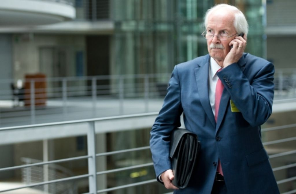 """Harald Range, der Generalbundesanwalt, steht wegen der Ermittlungen seiner Behörde gegen die Internetplattform """"Netzpolitik.org"""" in der Kritik. Foto: dpa"""