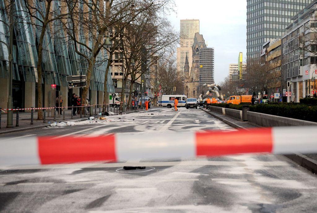 Ein Mensch starb bei dem Autorennen auf dem Berliner Kurfürstendamm Foto: dpa-Zentralbild