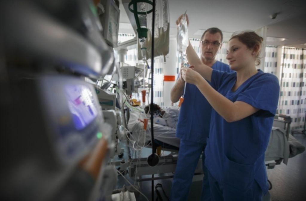 Die medizinische Versorgung zu sichern und weiterzuentwickeln, ist nur eine von vielen Aufgaben der Geschäftsführung des Klinikverbunds. Foto: Gottfried Stoppel