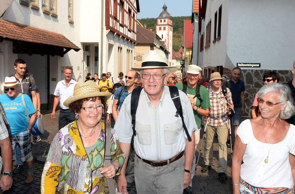 Ministerpräsident Winfried Kretschmann wandert durch Baden-Württemberg. Foto: dpa