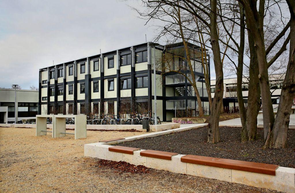 Das Containergebäude wird für viele Schüler  zum vorübergehenden Lernort. Foto: Horst Rudel