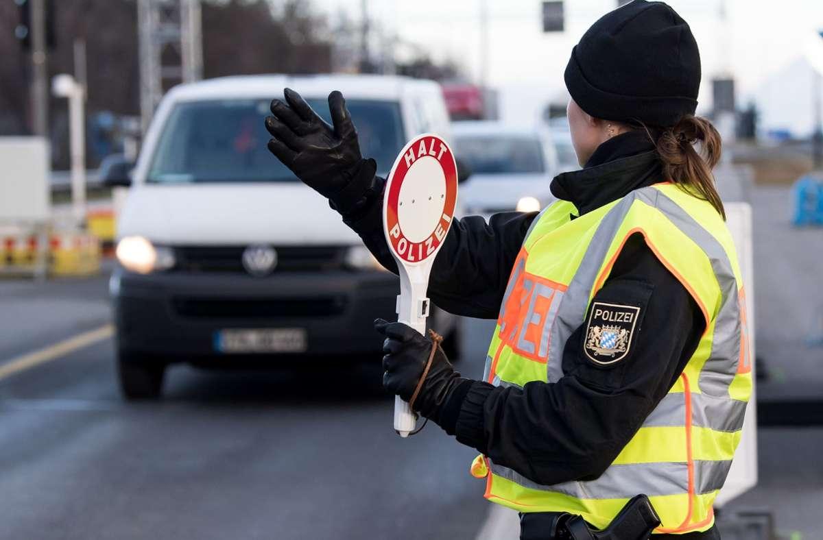 Die Polizei hat am Sindelfinger Wald rund 300 LKW-Kontrollen durchgeführt Foto: / Hoppe