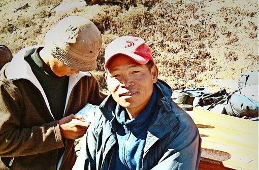 Wellblechdächer für den nepalesischen Freund
