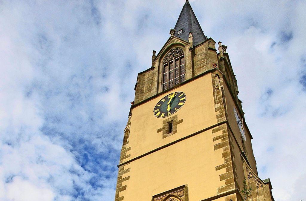 Weil es immer weniger Pfarrstellen gibt, müssen die Gemeinden über den eigenen Kirchturm (im Bild die Martinskirche) hinausschauen. Foto: Archiv Alexandra Kratz
