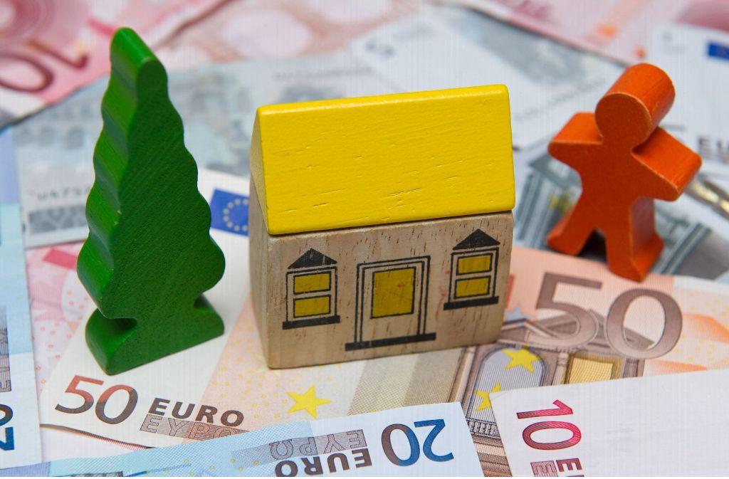 Ist es rechtens, wenn die Bausparkassen alte Verträge kündigen? Foto: dpa