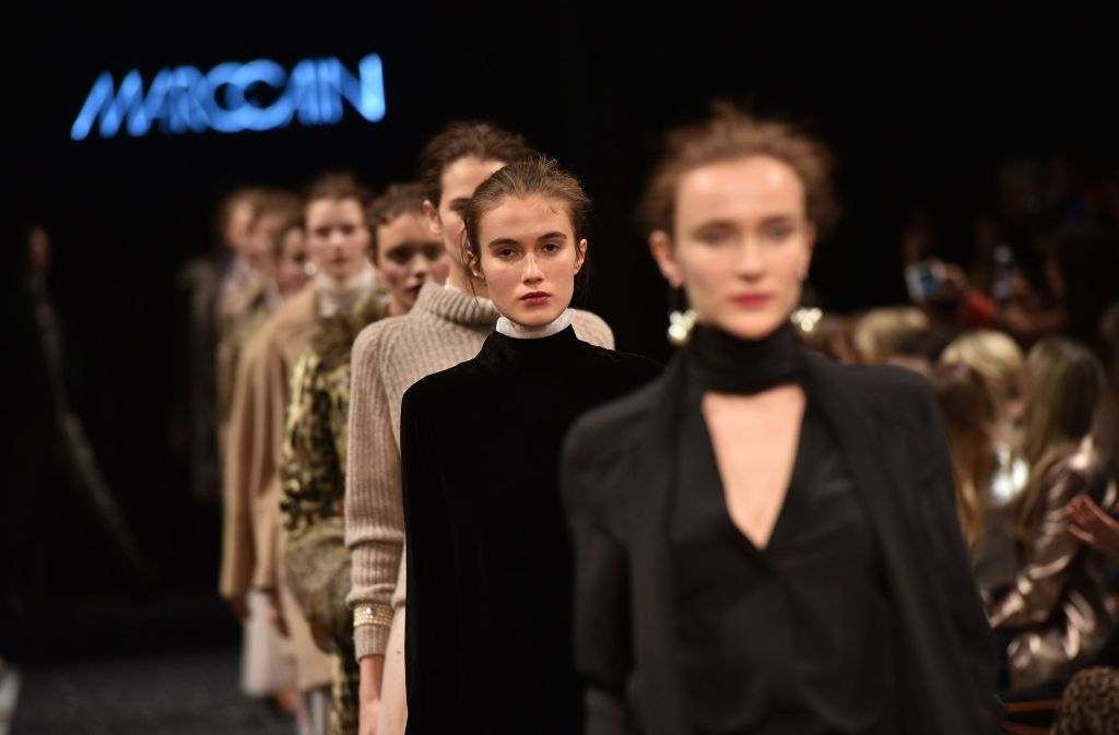 Das schwäbische Modelabel Marc Cain setzt auf der Berlin Fashion Week ganz auf Samt und Pailletten. Foto: Getty Images Europe