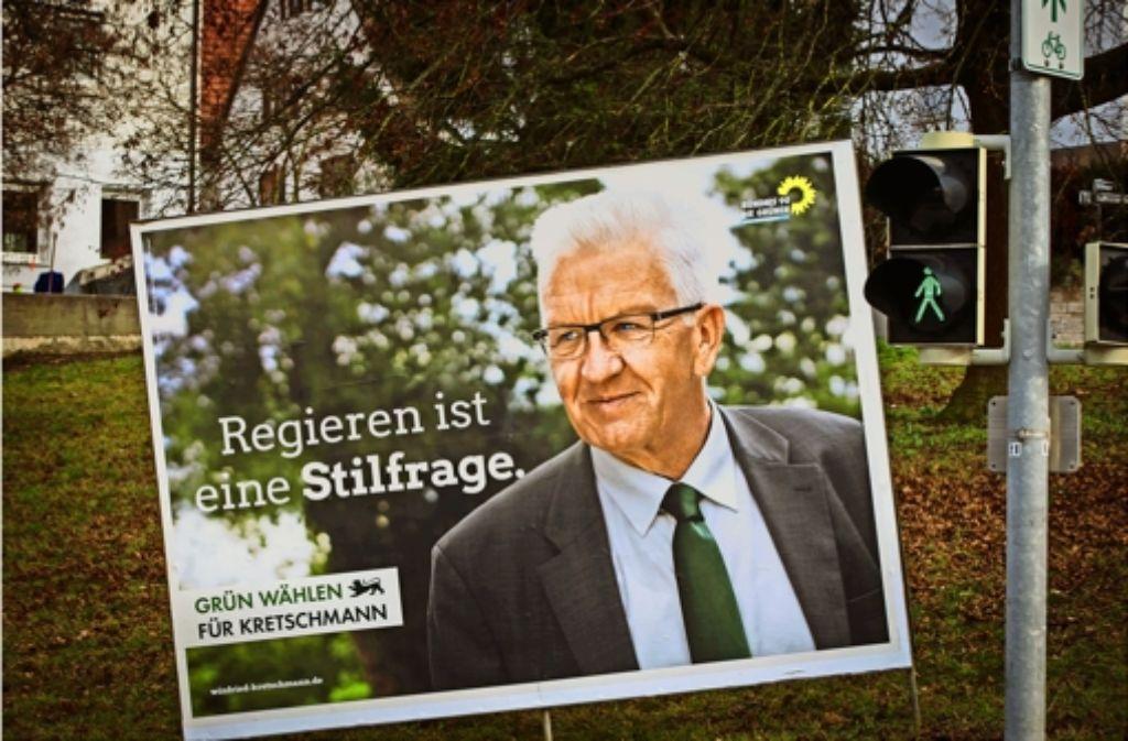 Jetzt hängen sie wieder, die Konterfeis der Spitzenkandidaten und die Wahlslogans der Parteien, die zur Landtagswahl antreten. Nicht nur Winfried Kretschmann, ... Foto: Lichtgut/Achim Zweygarth