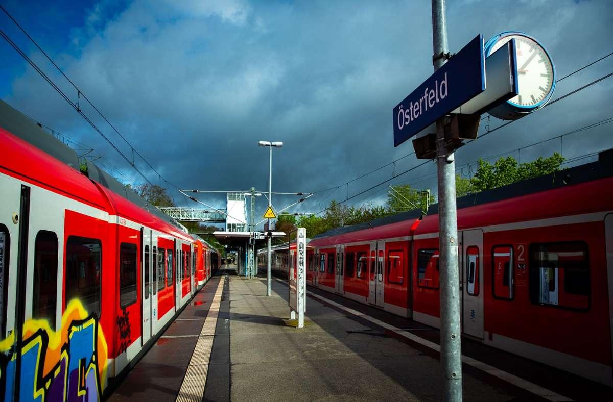 Über dem Nahverkehr hängen wegen der Coronapandemie dunkle Wolken. Die Zahl der Fahrgäste ist stark zurückgegangen, die Einnahmen sind eingebrochen. Foto: Lichtgut/Leif Piechowski