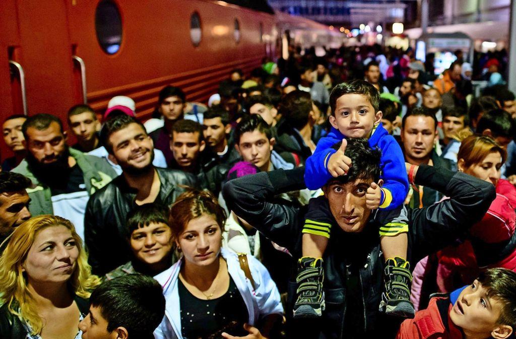 Volle Züge aus Österreich: Im Verlauf des Wochenendes vom 5. und 6. September kommen am Münchner Hauptbahnhof 20000 Asylsuchende an. Foto: dpa