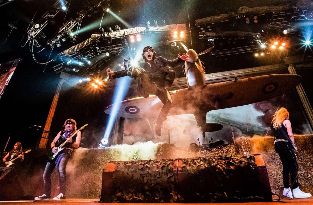 So könnte das 2022 in Stuttgart aussehen: Iron Maiden 2018 in Lissabon Foto: imago/GlobalImagens/Gonçalo Delgado