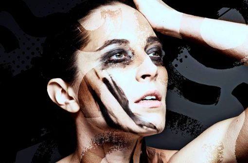 """Nora Brown tanzt Bridget Breiners Choreografie in """"The Dying Swans Project""""."""