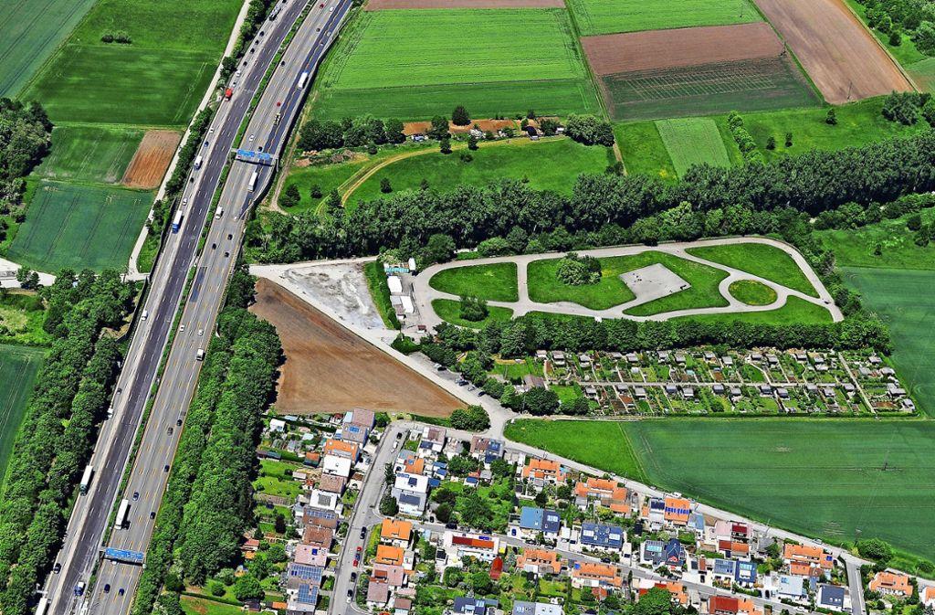 Der an der Autobahn 81 zwischen Eglosheim und Asperg gelegene  Übungsplatz wird seit Jahrzehnten  vom MSC Hohenasperg betrieben. Foto: Werner Kuhnle