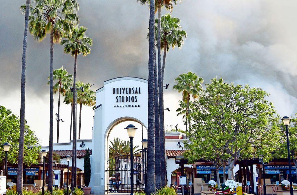 Die Universal-Studios 2008 während des Brandes. Foto: AP