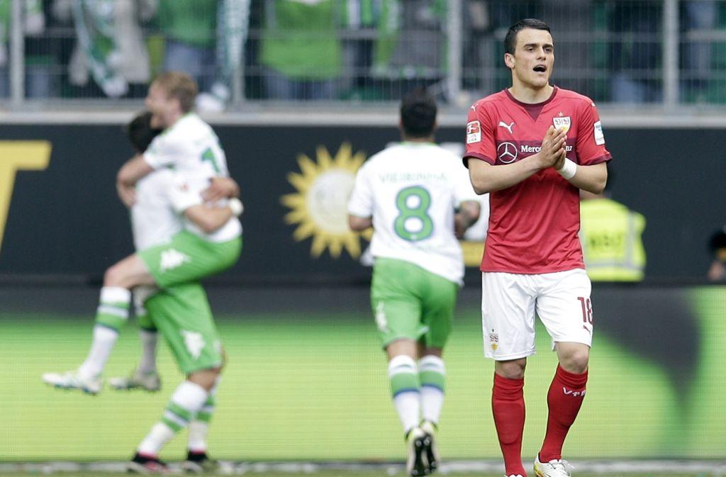Wechselt VfB-Stürmer Filip Kostic womöglich bald zum VfL Wolfsburg? Einem VfB-Fan ging das Hin- und Her um den Spieler etwas zu lange. Foto: AP