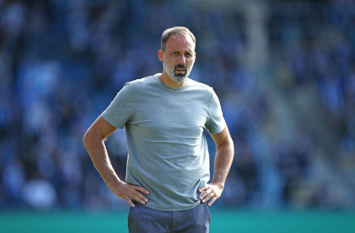 VfB-Trainer Pellegrino Matarazzo fordert für das Spiel gegen Mainz ein besseres Defensivverhalten von seiner Mannschaft. Foto: Pressefoto Baumann/Cathrin Müller