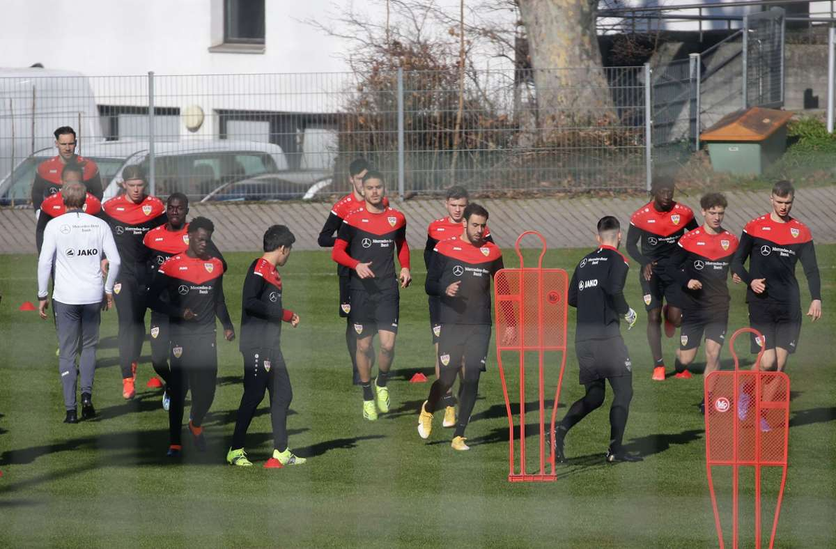 Es läuft derzeit rund beim VfB. Nach zwei freien Tagen ging es nun wieder auf den Platz. Foto: Pressefoto Baumann/Hansjürgen Britsch