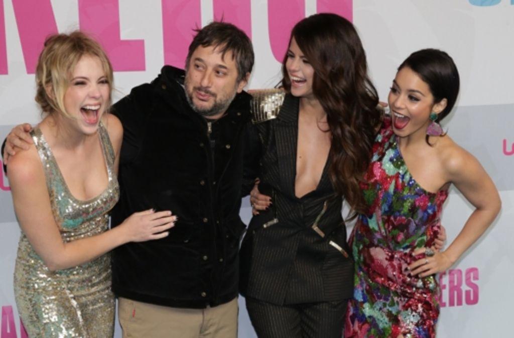 Der Regisseur Korine mit seinen Hauptdarstellerinnen Benson, Gomez, Hudgens Foto: dpa
