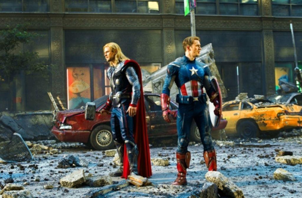 Thor (Chris Hemsworth, links) und Captain America (Chris Evans) Foto: Verleih