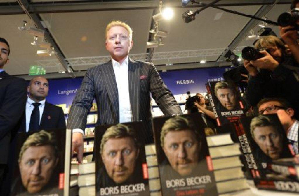 Das Leben ist kein Spiel weiß Boris Becker und hat diese Weisheit in eine Autobiographie gepackt. Auf der Frankfurter Buchmesse hat er sein Werk jetzt vorgestellt. Foto: dpa