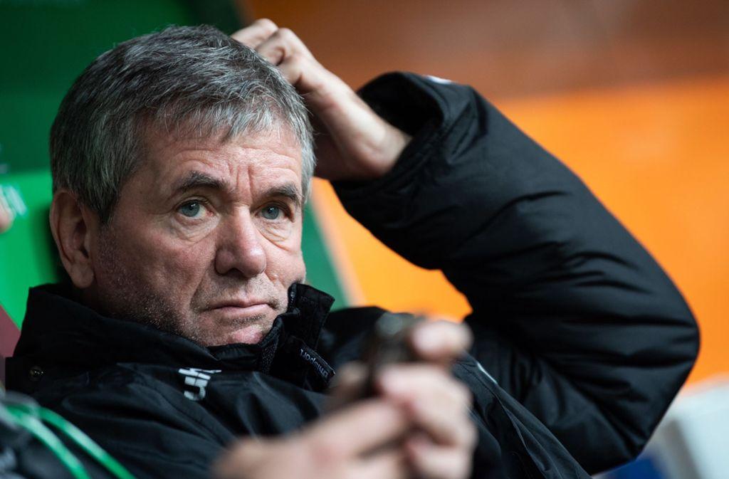 War bis vor kurzen noch Trainer in Düsseldorf: Friedhelm Funkel Foto: dpa/Tom Weller